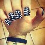 lexus-amanda-nails-zebra