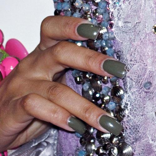 nicki minajs nail polish amp nail art steal her style