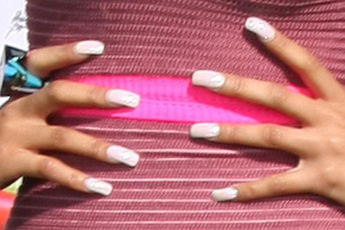 nicki minaj white nails steal her style