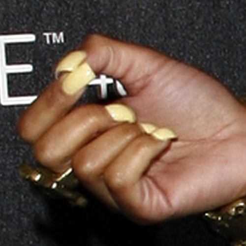 nicki minaj yellow nails steal her style