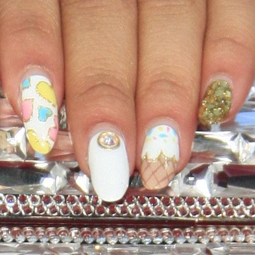zendaya-nails-5Zendaya Nails 2012