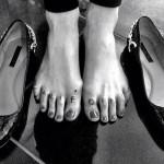carah-faye-charnow-california-toes-tattoo