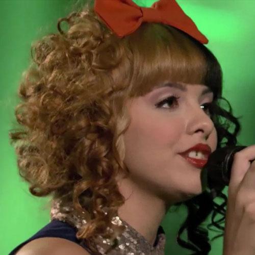 Melanie Martinez Curly Black Honey Blonde Blunt Bangs Hair Bow Split Color Hairstyle Steal Her Style