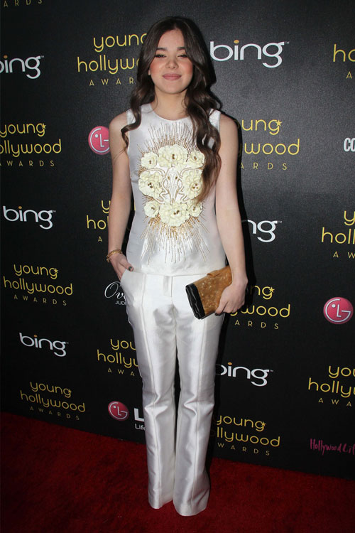 hailee steinfeld clothes amp outfits steal her style