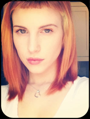 hayley williams straight orange baby bangs hairstyle