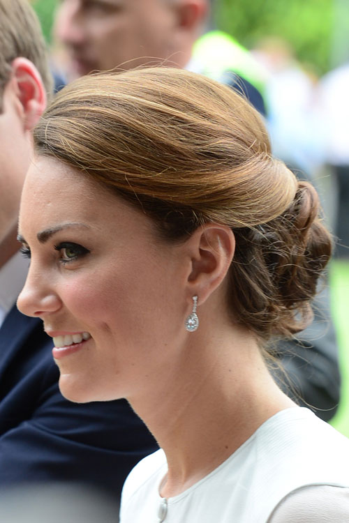 kate middleton s hairstyles hair colors steal her style kate middleton s hairstyles hair