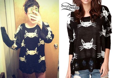 Mariel loveland cat print sweater steal her style for Loveland tattoo shops