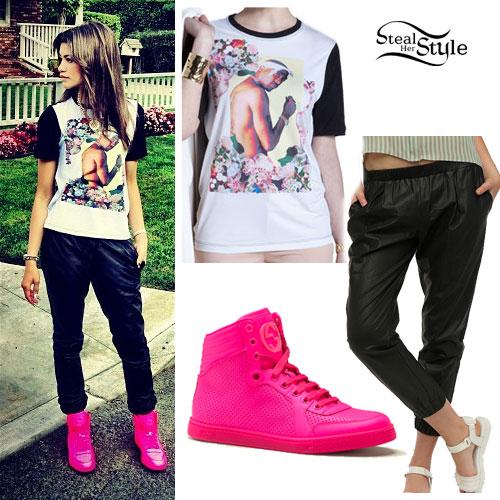 Zendaya: Tupac Tee, Hot Pink Sneakers