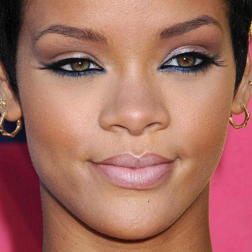 Rihanna Makeup: Blue E... Rihanna Makeup