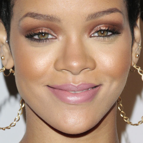 Rihanna Makeup | Steal Her Style | Page 2