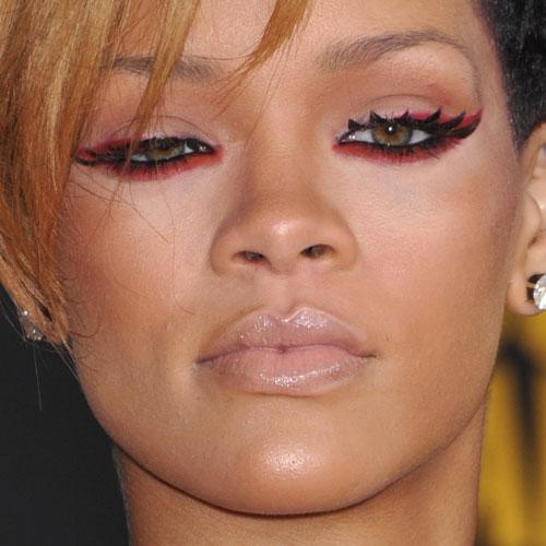 Rihanna Makeup: Red Ey... Rihanna Makeup
