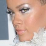 22-rihanna-makeup