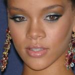 8-rihanna-makeup