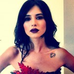hanna-beth-lips-collarbone-tattoo