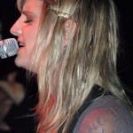 juliet-simms-hair-bobby-pins
