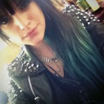 juliet-simms-hair-brown-green