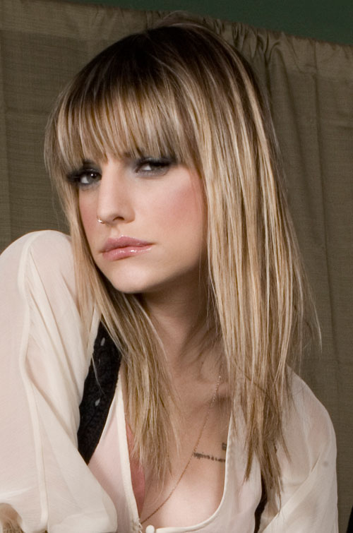Light Brown , Straight Bangs , Long , Wavy ,
