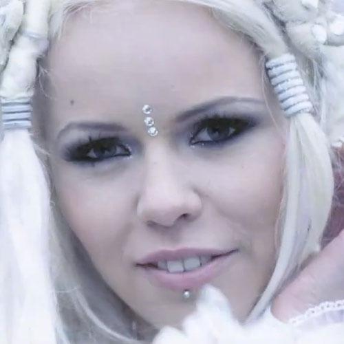 Mv Kiss And Makeup: Kerli's Makeup Photos & Products