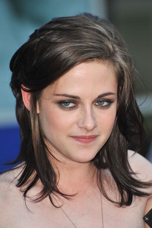 Kristen Stewart Hairstyles & Hair Colors   Steal Her StyleKristen Stewart Hair 2013