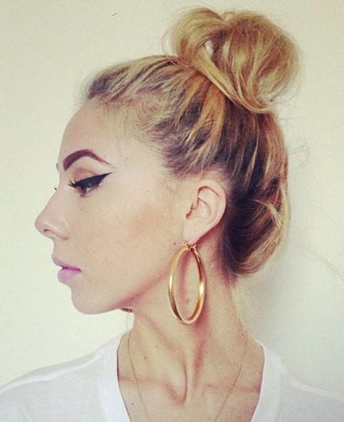 Lil Debbie Nails: Lil Debbie Straight Honey Blonde Bun, Dark Roots Hairstyle