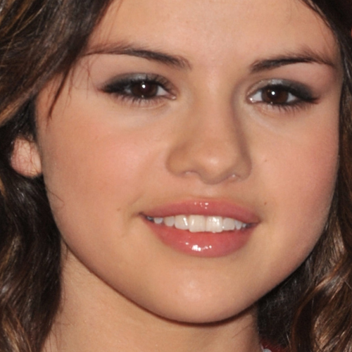 Selena Gomez Makeup | Steal Her Style