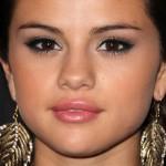 selena-gomez-makeup-2011-09-15
