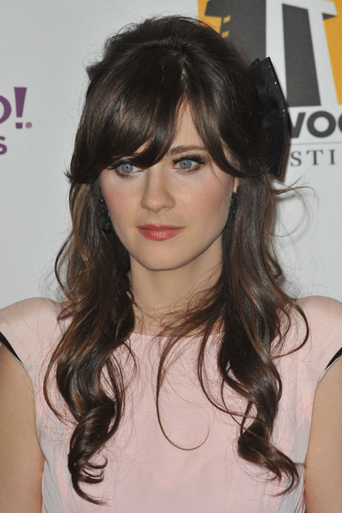 Zooey Deschanel S Hairstyles Amp Hair Colors Steal Her