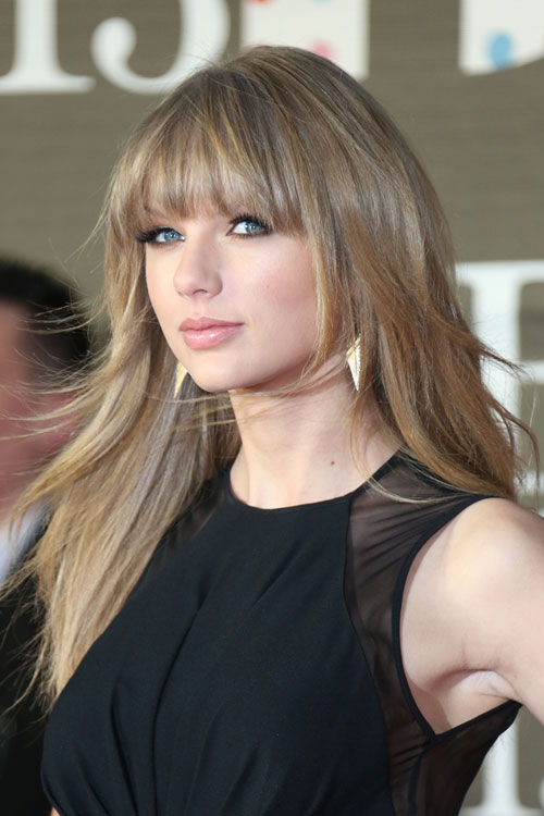 Taylor Swift Straight Ash Blonde Angled, Choppy Layers, Straight Bangs ...