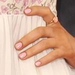 ariana-grande-nails-2013-04-14