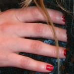 avril-lavigne-fuck-you-finger-tattoo