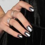 bella-thorne-22-nails