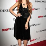 bella-thorne-22-outfit