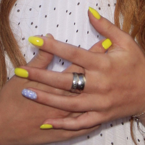 Bella Thorne Lavender, Yellow Polka Dots Nails | Steal Her ...