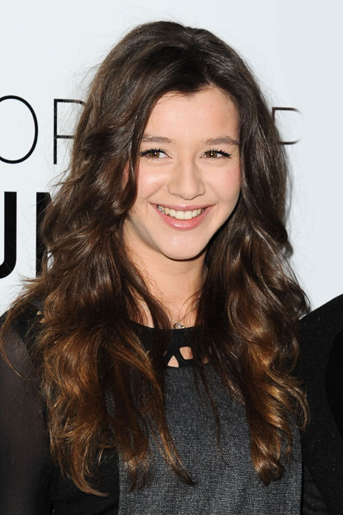 Eleanor Calder S Hairstyles Amp Hair Colors Steal Her Style
