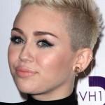 miley-cyrus-hair-2012-12-16