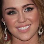 miley-cyrus-makeup-2011-12-11