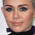miley-cyrus-makeup-2012-12-16