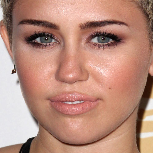 miley cyrus makeup brown eyeshadow amp peach lipstick