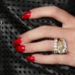 miley-cyrus-nails-2013-08-08