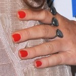 miley-cyrus-nails-red