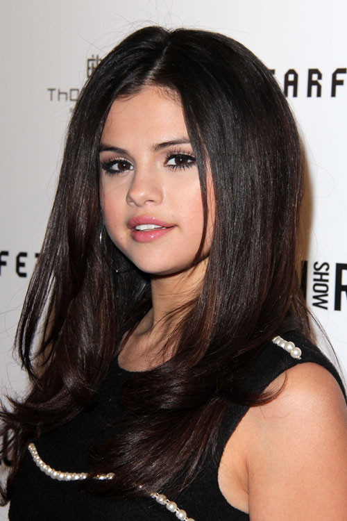 selena gomez straight dark brown hairstyle steal her style