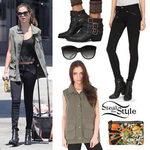 Selena Gomez shopping at Topanga Mall, California August 10th, 2013 - photo: smg-news