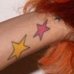 bonnie-mckee-stars-tattoo