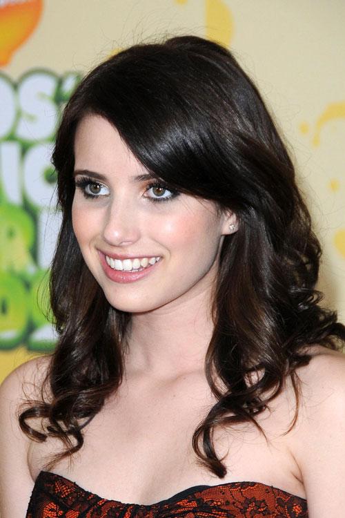 """Képtalálat a következőre: """"emma roberts hairstyle 2011"""""""