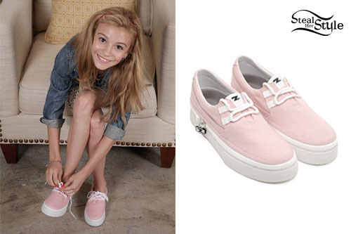 G Hannelius: Light Pink Sneakers