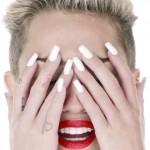 miley-cyrus-wrecking-ball-nails