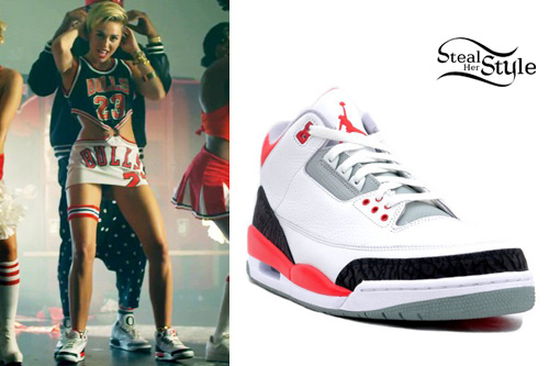 Miley Cyrus 23 Video Outfits Steal Her Style