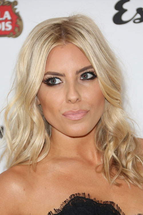 mollie king s hairstyles hair colors steal her style