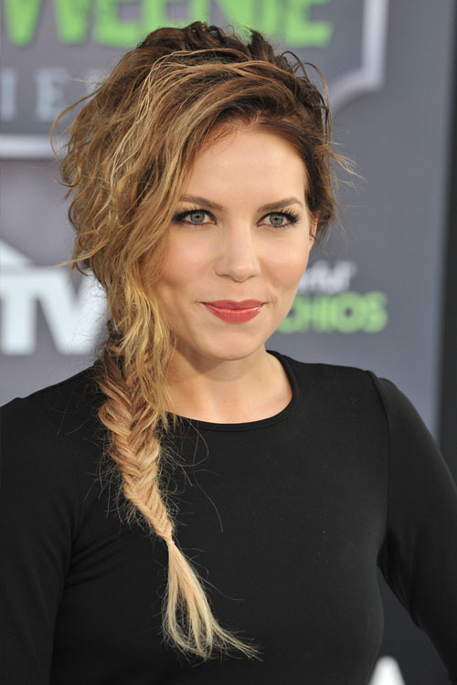 Skylar Grey S Hairstyles Amp Hair Colors Steal Her Style