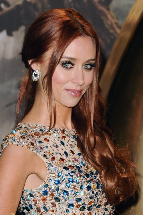Una Healy S Hairstyles Amp Hair Colors Steal Her Style
